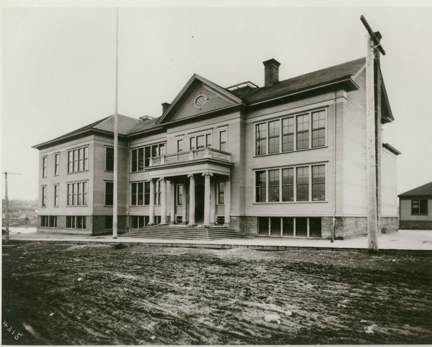 Green Lake School, Seattle, c. 1902 Courtesy Seattle Public Schools (Image No. 229-12)