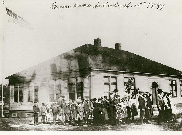 Students, Green Lake School, Seattle, ca. 1900 Courtesy Seattle Public Schools (Image No. 229-1)